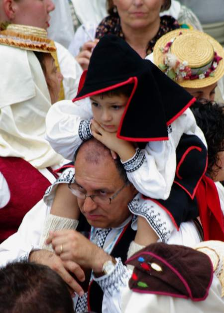 Child in traditional dress, Las Nieves, Santa Cruz de la Palma