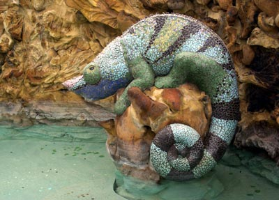 La Glorieta square: The chameleon fountain.