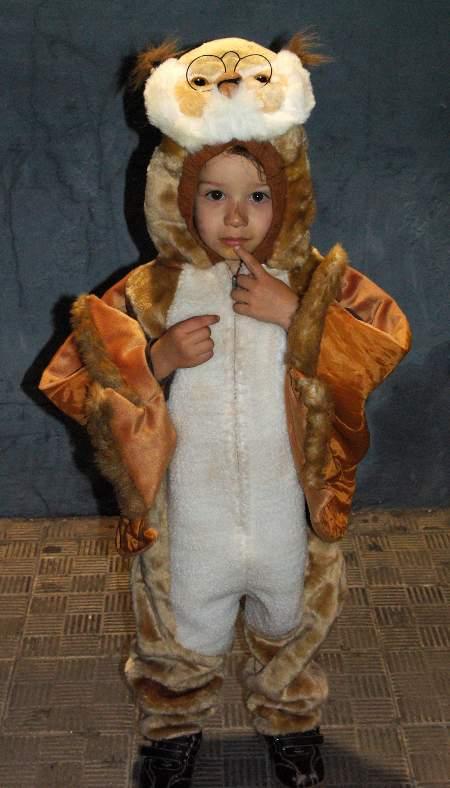 Santa Cruz de la Palma, Carnival 2010, little boy dressed as an owl