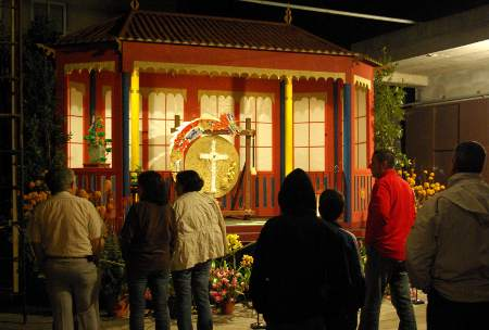 San José cross, Breña Baja, 2010, decorated with a Japanese theme