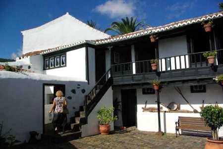 Courtyard of Casa Lujan, Puntallana, La Palma