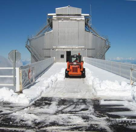 Snow removal at the Galileo telescope, Roque de los Muchachos
