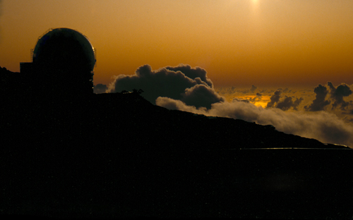 The William Herschel Telescope at sunset